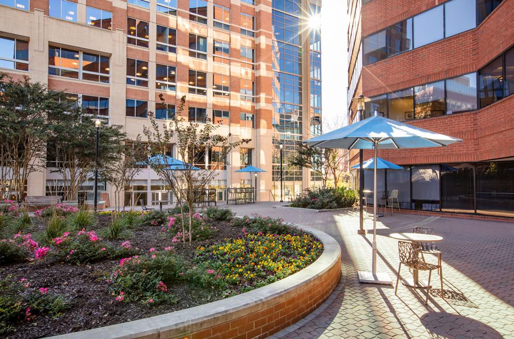 Fairgate Arlington Medical Center Exterior Patio