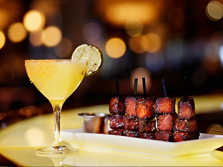 perry's steakhouse social hour