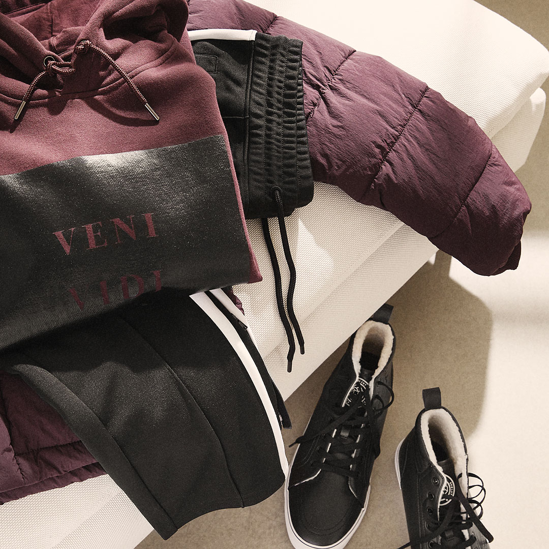 Mens Basics Joggers & Hoodies from H&M